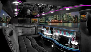 Chrysler 300 Coral Gables limo interior
