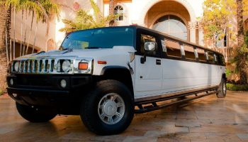 Hummer limo Kendall